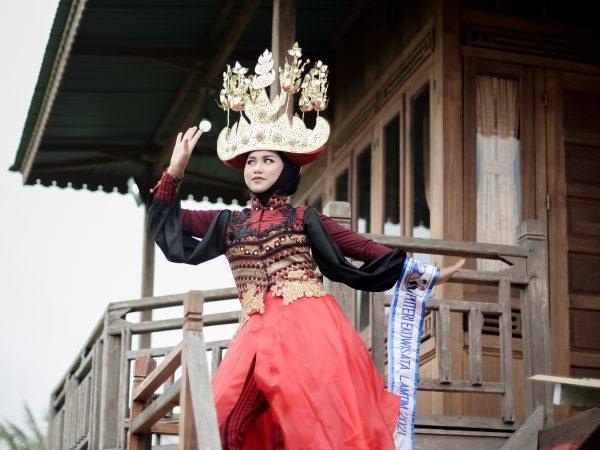 Siswa SMK Perintis Adiluhur Jabung Berhasil Raih Top 6 Puteri Ekowisata Lampung 2021 dan Best In Traditional Costume